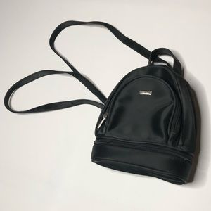 Tiny vintage Y2K backpack with multiple pockets